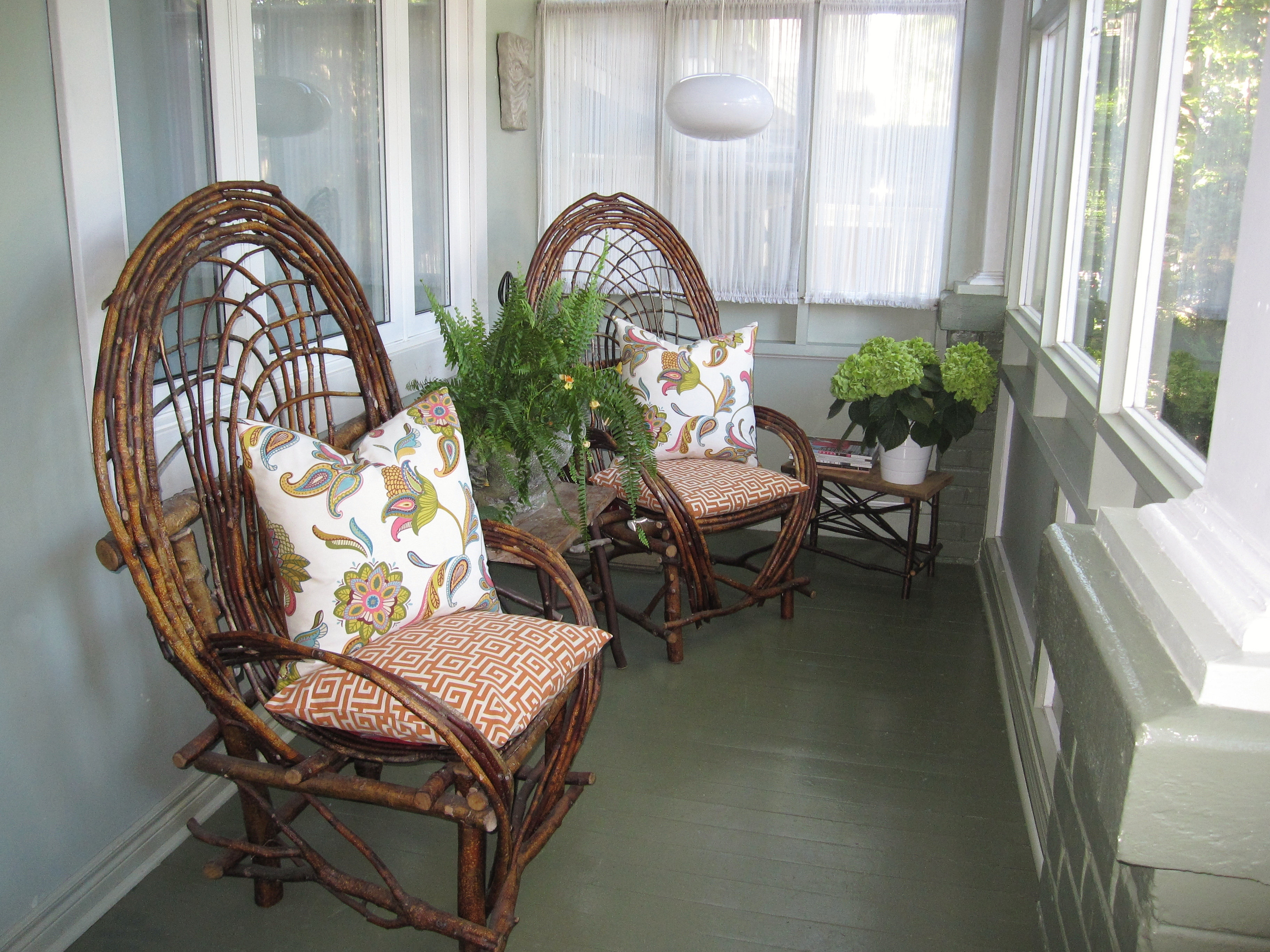 May 2012 modmissy for Enclosed porch furniture ideas